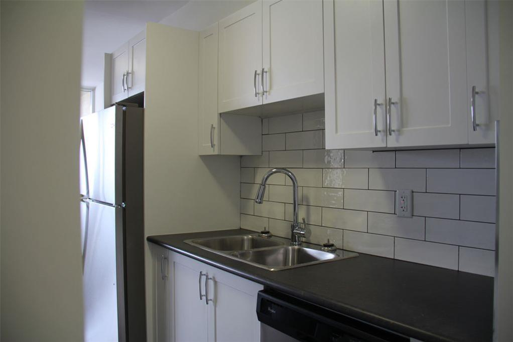 Apartment for rent at 141 Main St S, Brampton, ON. This is the kitchen with stainless steel.