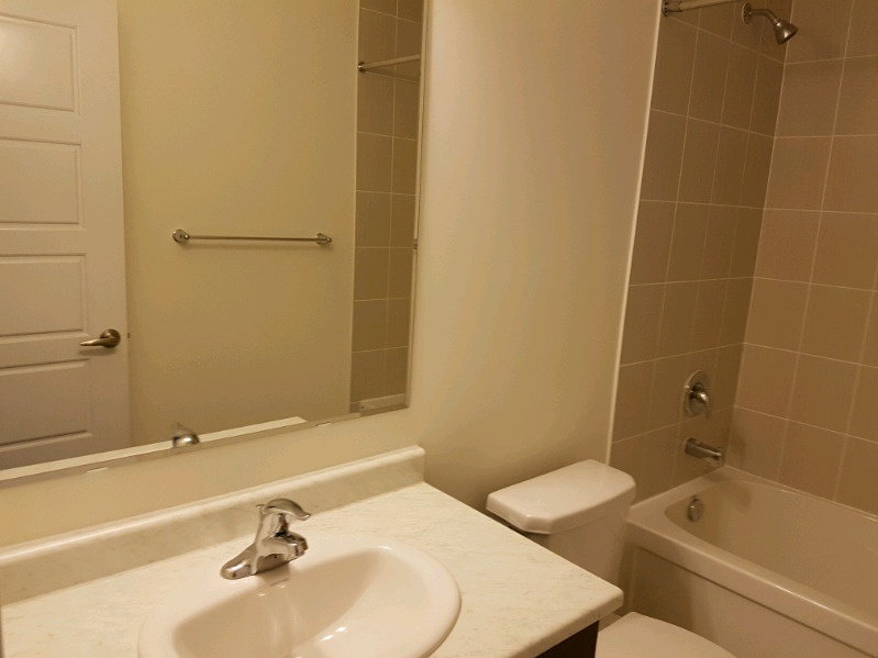 House for rent at 77 Baycliffe Cres, Brampton, ON. This is the bathroom.