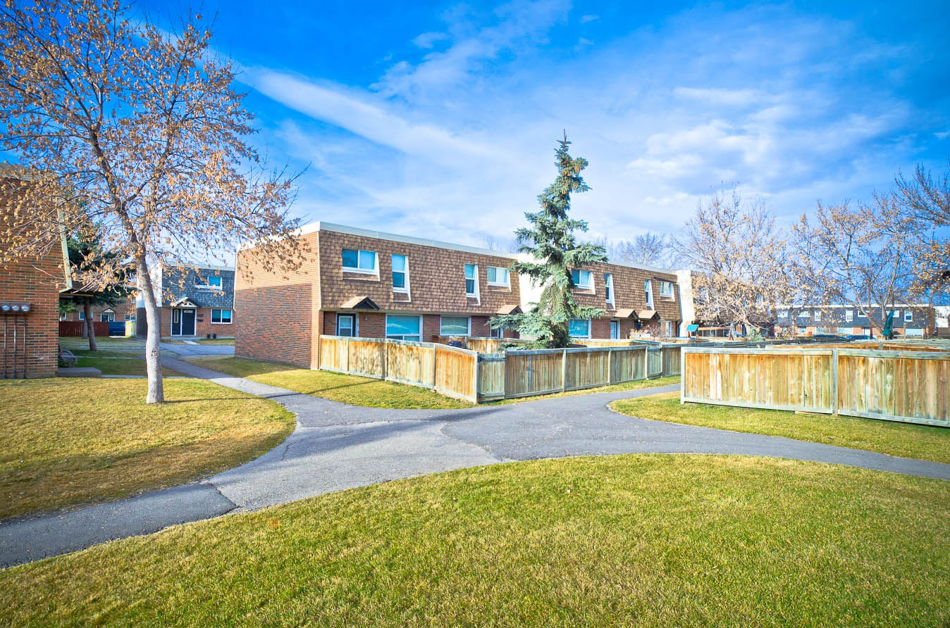 Townhouse for rent at 6440 Centre St. NE, Calgary, AB. Oak Hill Estates