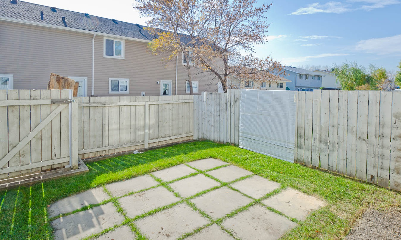 Townhouse for rent at 40 Radcliffe Cres SE, Calgary, AB. Radisson Village III