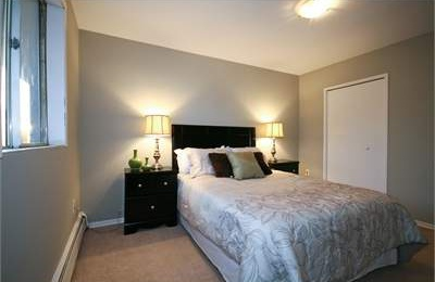 Low-Rise-Apartment for rent at 204 Hespeler Road, Cambridge, ON. This is the bedroom with carpet.