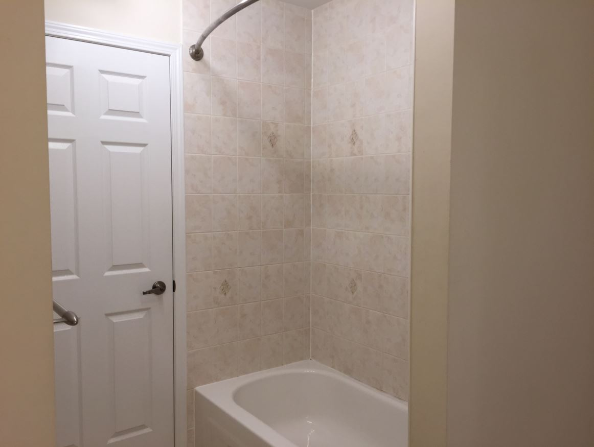 Apartment for rent at 150 Holland Cricle, Cambridge, ON. This is the bathroom.