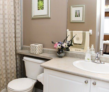 House for rent at 96 Aylesworth Ave, Courtice, ON. This is the bathroom with natural light.