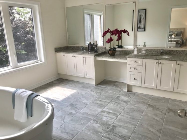 House for rent at 6 Forest Edge Crescent, East Gwillimbury, ON. This is the bathroom with natural light and tile floor.