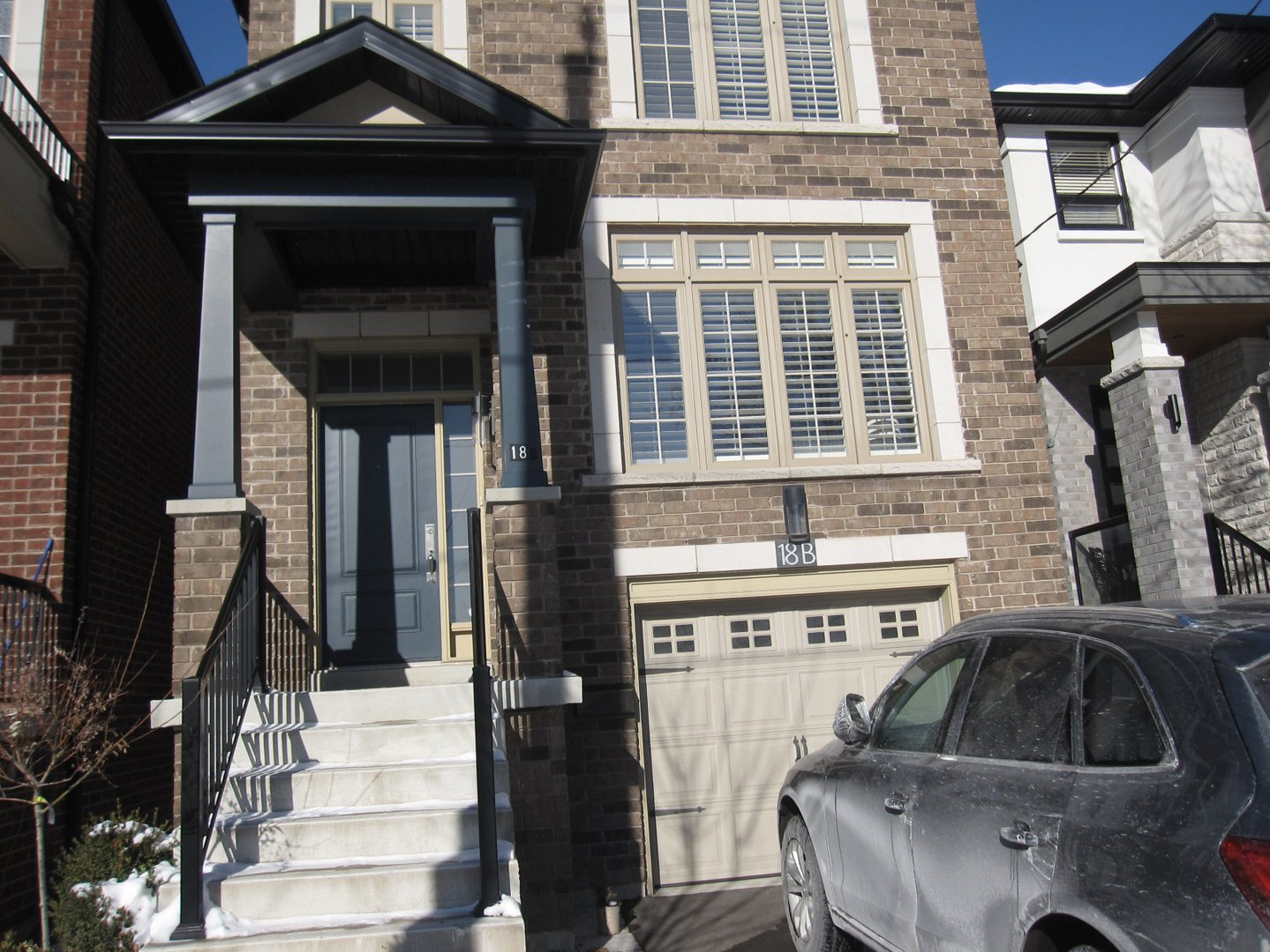 House for rent at 18 Algoma St, Etobicoke, ON. This is the outdoor building.