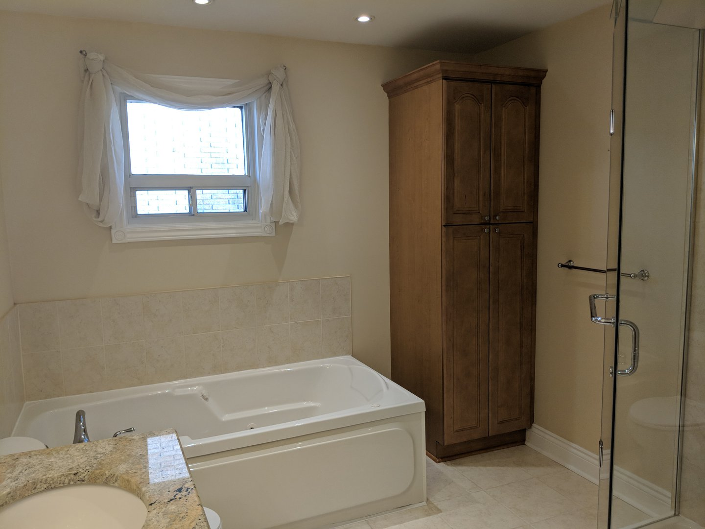 House for rent at 1162 Kipling Ave | Unit: upper, Etobicoke, ON. This is the bathroom with tile floor and natural light.