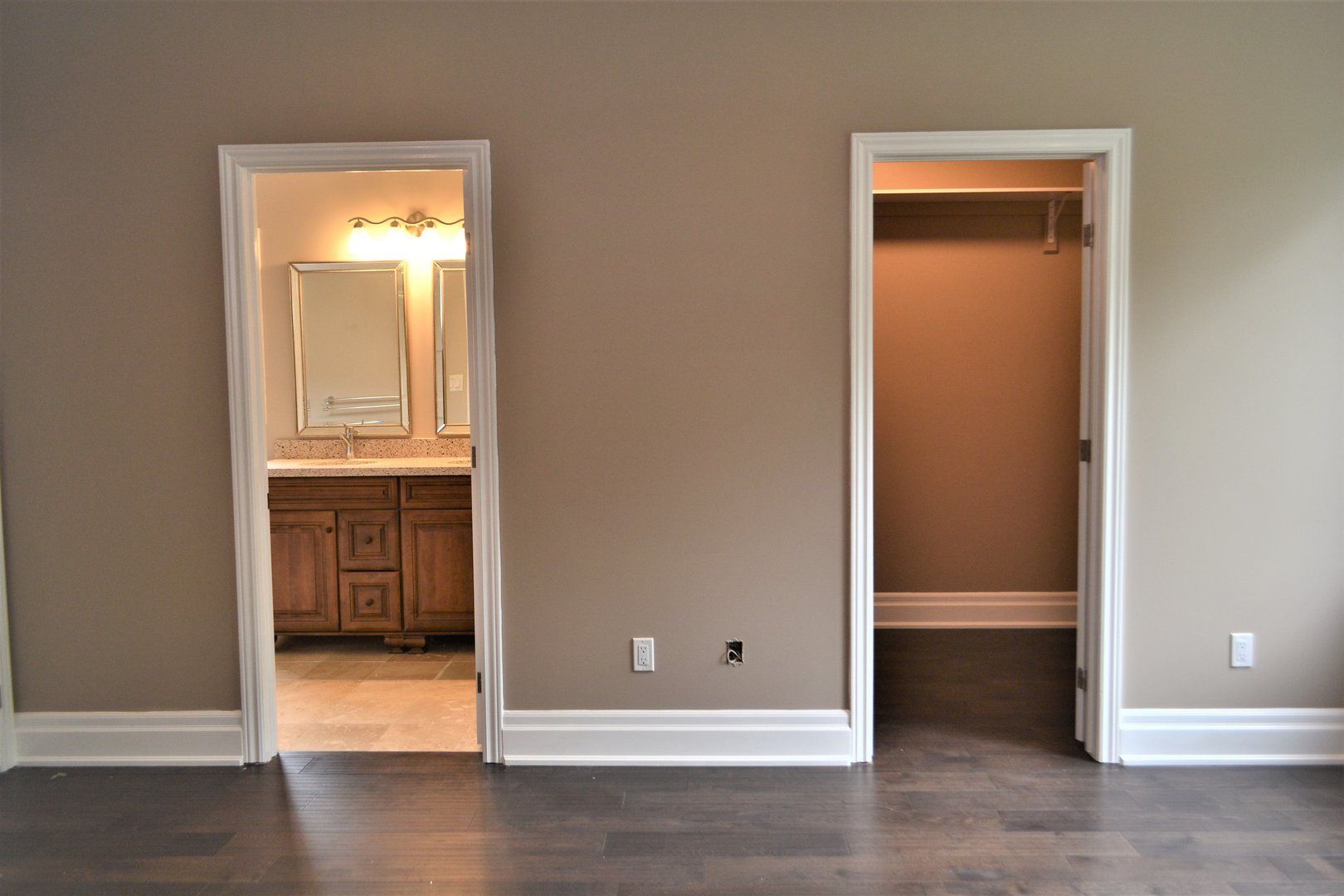 House for rent at 20 Sixth St, Etobicoke, ON. This is the empty room with tile floor and hardwood floor.