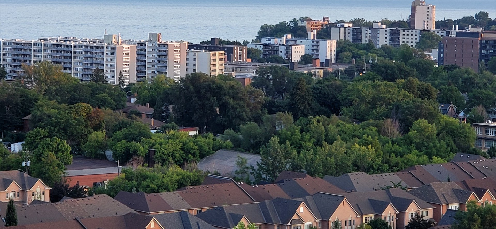 Condo for rent at 155 Legion Rd N, Etobicoke, ON. This is the outdoor building with water view.