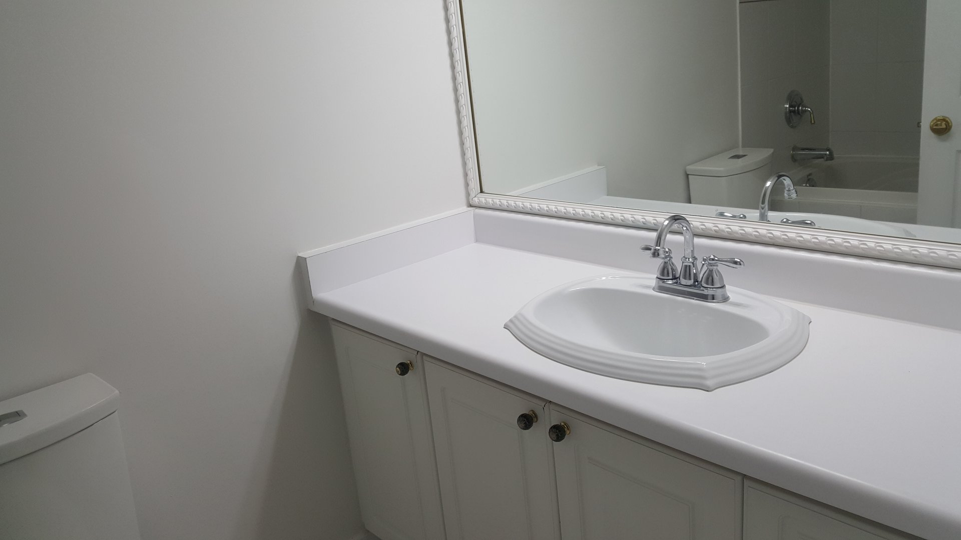 Condo for rent at 236 Albion Road, Etobicoke, ON. This is the bathroom.