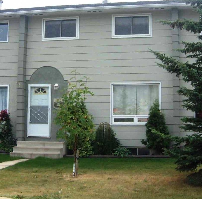 House for rent at 10026 - 79 Ave, Grande Prairie, AB.