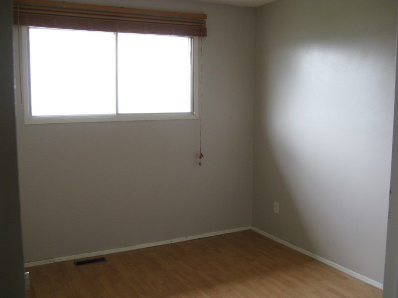 House for rent at 9913 - 94 Ave, Grande Prairie, AB.
