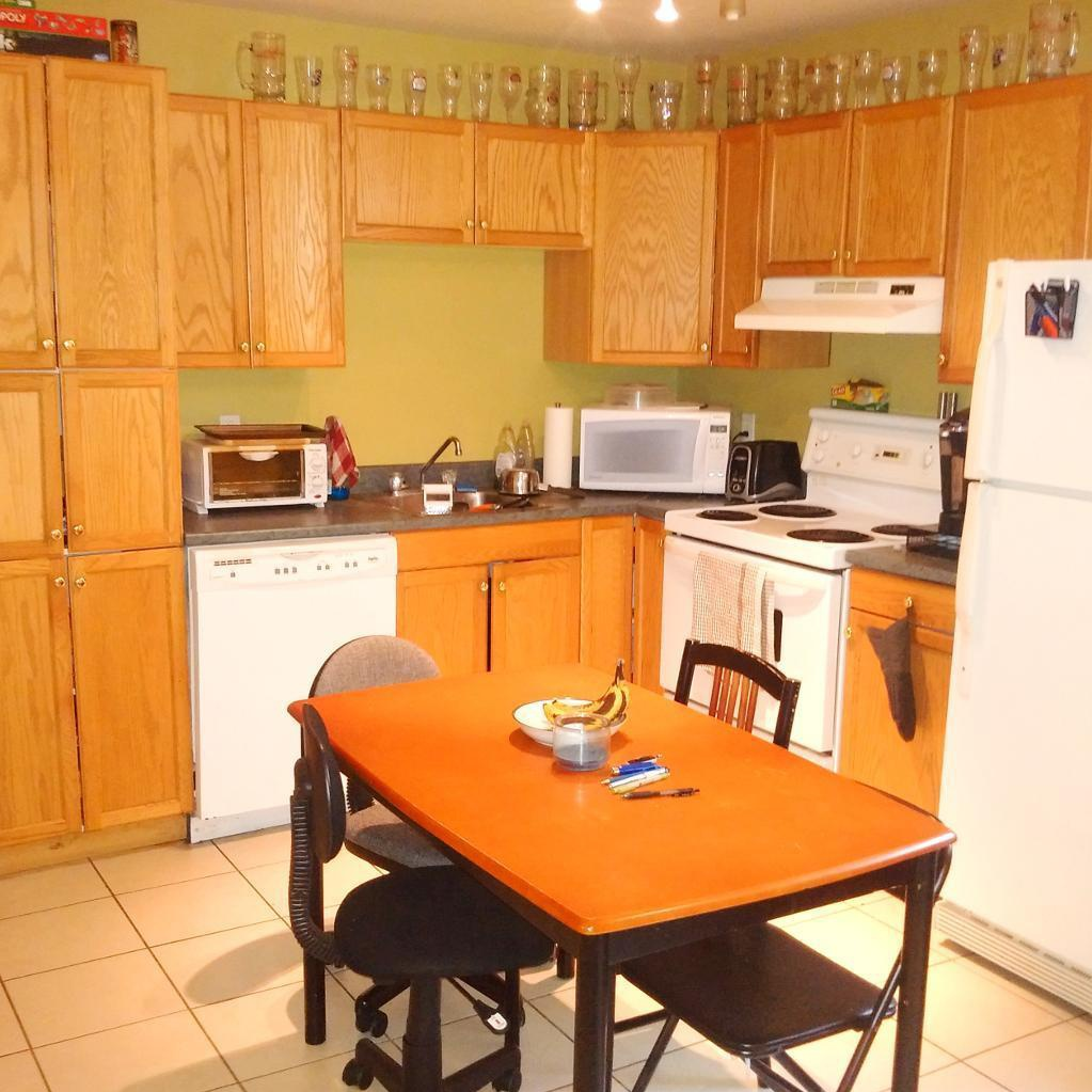 Apartment for rent at 1261 Henry St, Halifax, NS. This is the kitchen with tile floor.