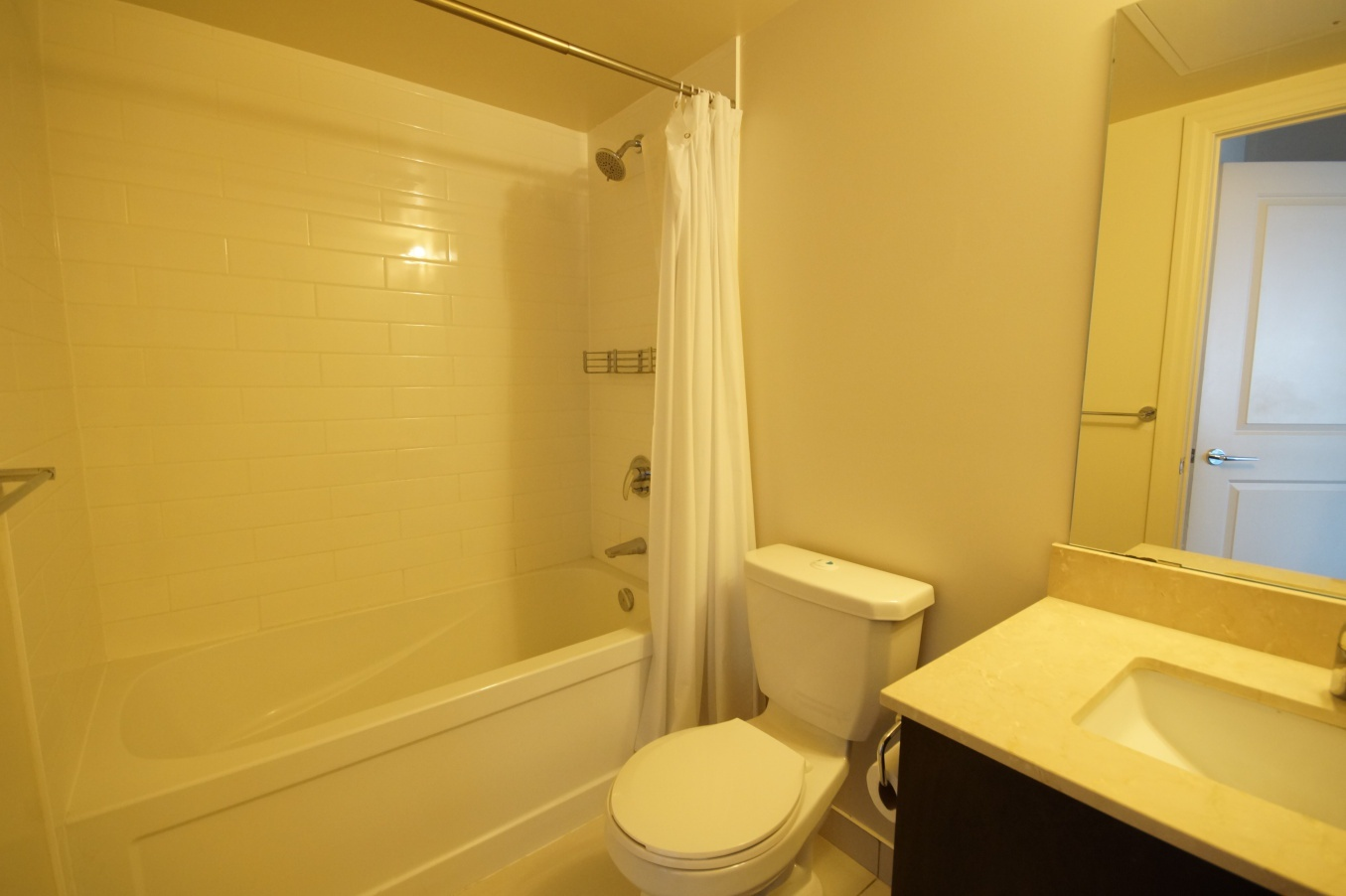 Condo for rent at 8130 Birchmount Rd, Markham, ON. This is the bathroom.