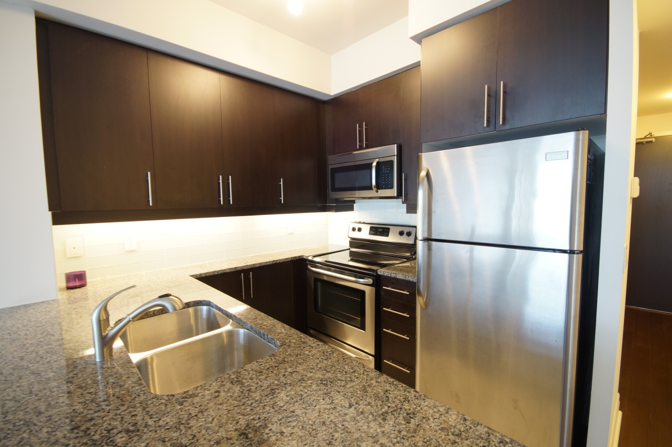 Condo for rent at 8130 Birchmount Rd, Markham, ON. This is the kitchen with stainless steel.
