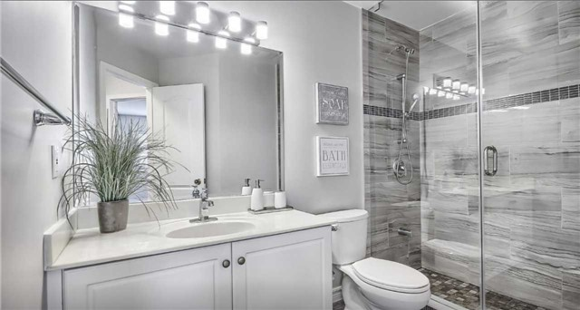 Townhouse for rent at 21 Interlacken Way, Markham, ON. This is the bathroom.