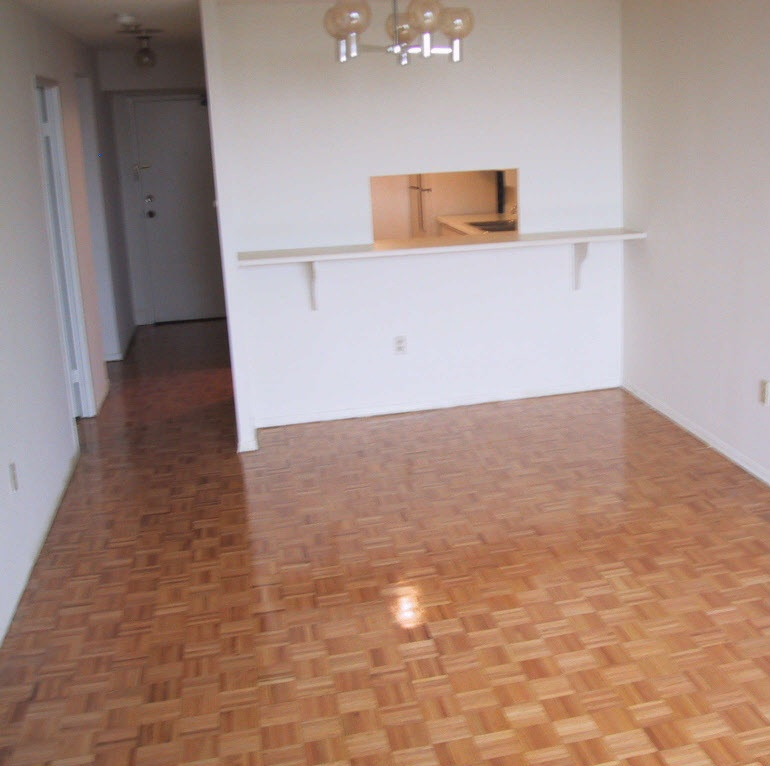 Apartment for rent at 1315 Bough Beeches Blvd, Mississauga, ON.