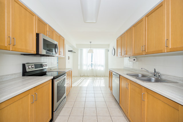 Condo for rent at 156 Enfield Place, Mississauga, ON.