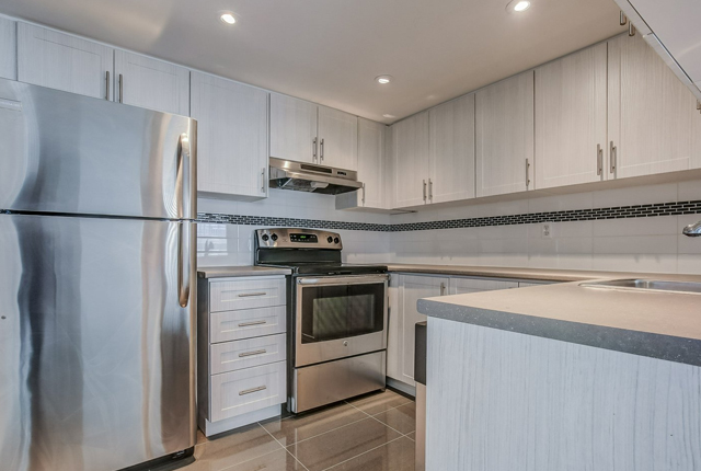 Apartment for rent at 2100 Sherobee Road, Mississauga, ON.