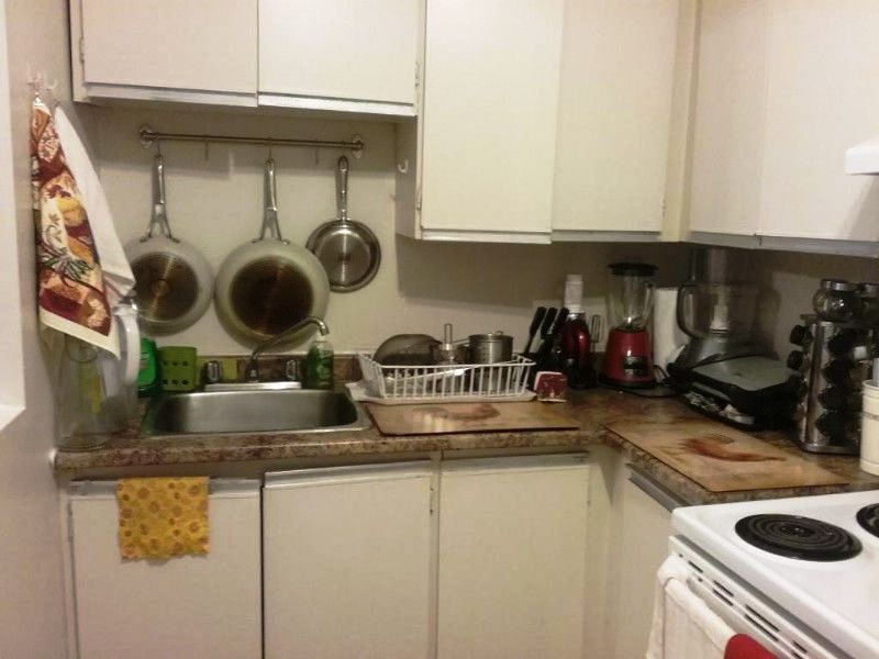 Apartment for rent at 10500, Acadie, Montréal, QC. This is the kitchen.