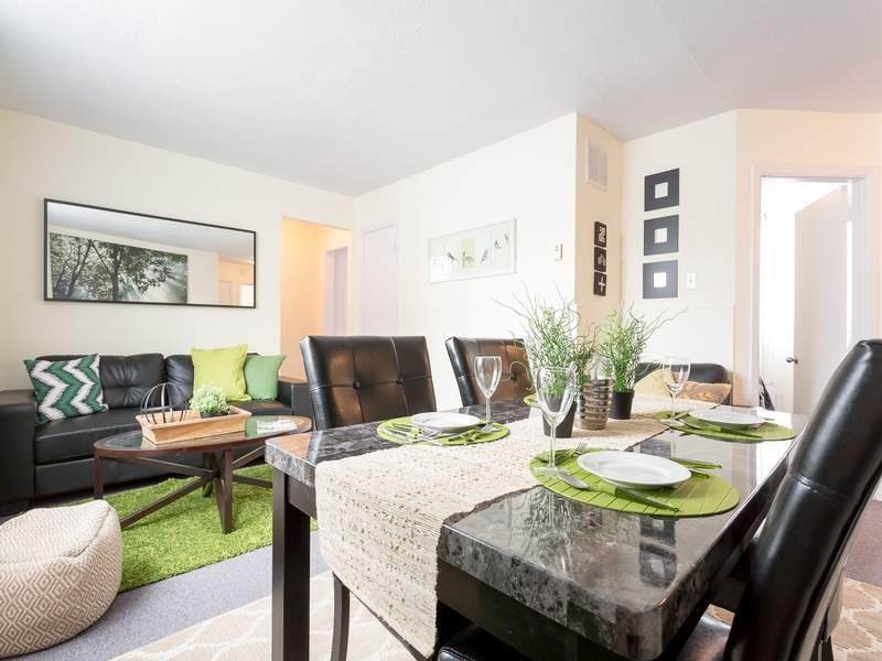 Low-Rise-Apartment for rent at 1285 Decarie Street, Montréal, QC.