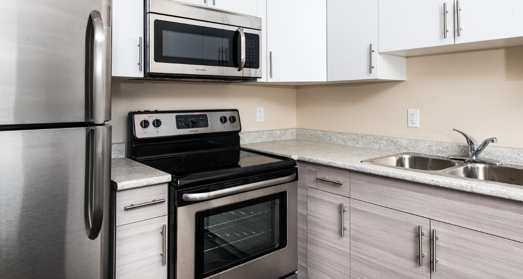 Bachelor for rent at 1820 Summerhill Place, Nanaimo, BC. This is the kitchen with stainless steel.