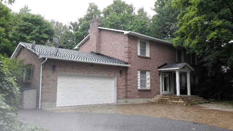 House for rent at 3162 Woodroffe Ave, Ottawa, ON.