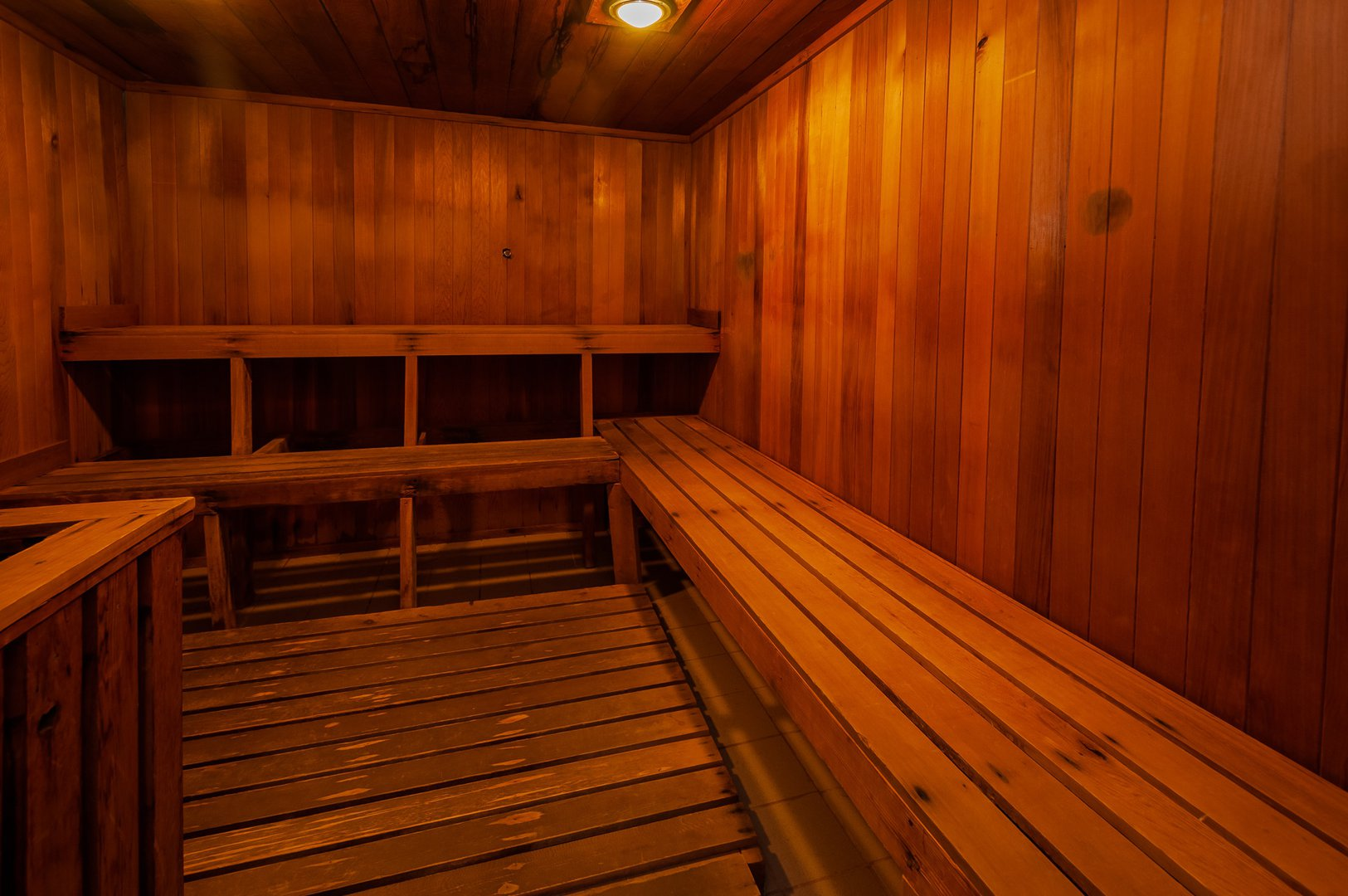 High-Rise Apartment for rent at 350 Chemin Sainte-Foy, bureau 1803, Québec City, QC. This is the sauna with vaulted ceiling and deck.