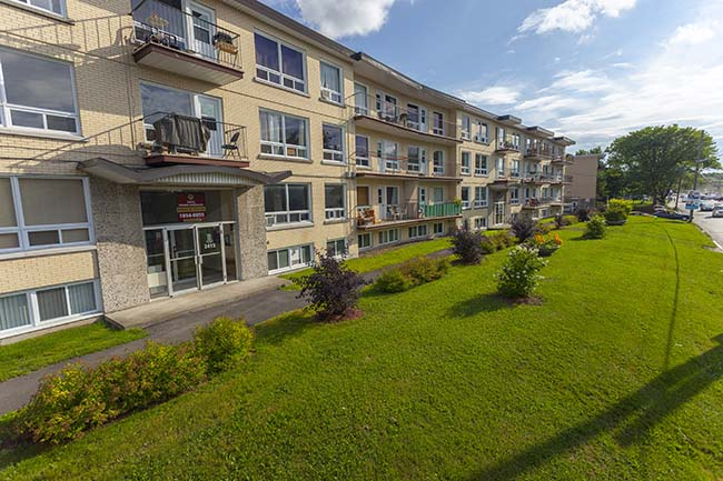 Apartment for rent at 2415 Chemin Sainte-Foy, Québec City, QC.