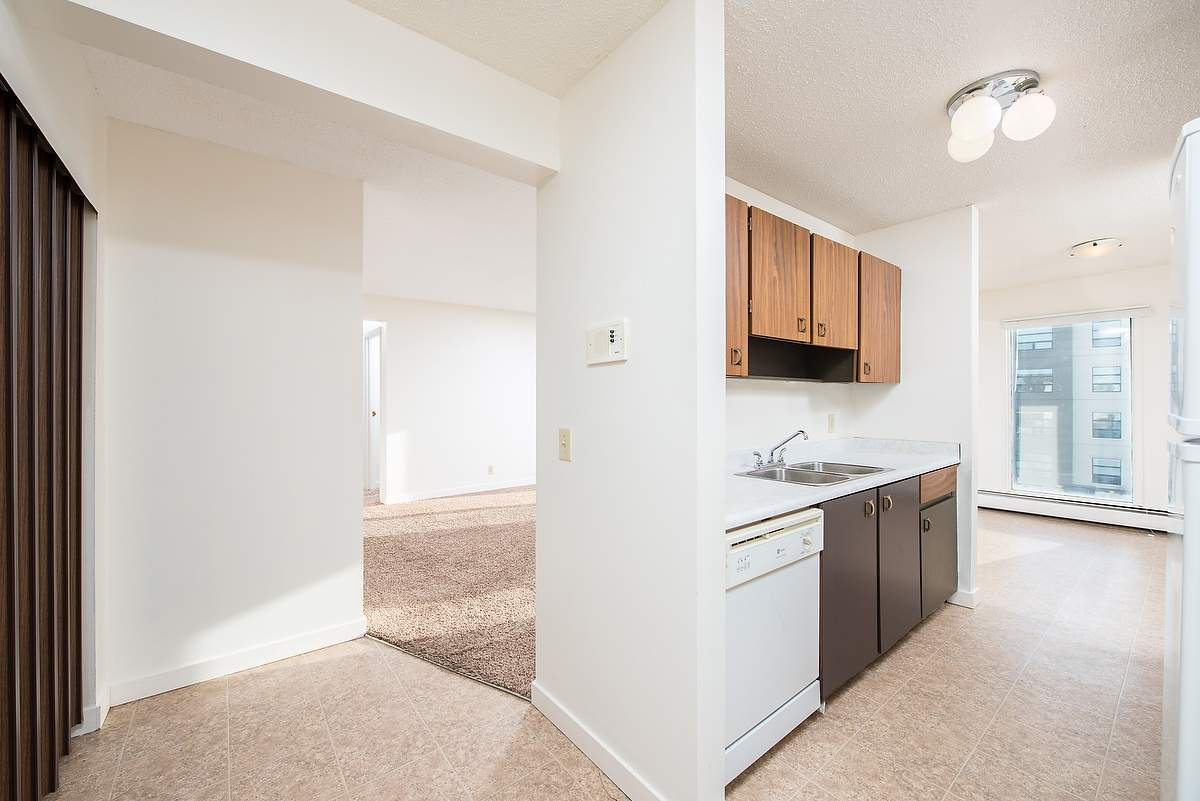Low-Rise-Apartment for rent at 5121 37 Street, Red Deer, AB.