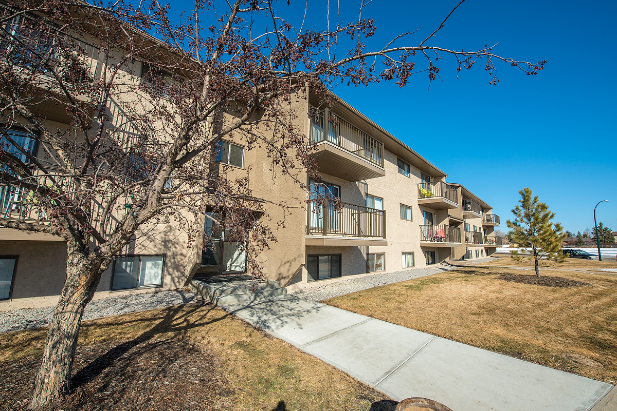 Low-Rise-Apartment for rent at 122 Cornett Drive, Red Deer, AB.