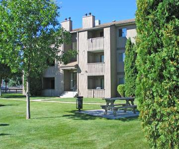 Low-Rise Apartment for rent at 2212 St. Charles Ave, Saskatoon, SK. St. Charles Place