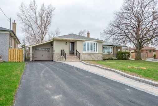 House for rent at 62 Deanvar Ave, Scarborough, ON.