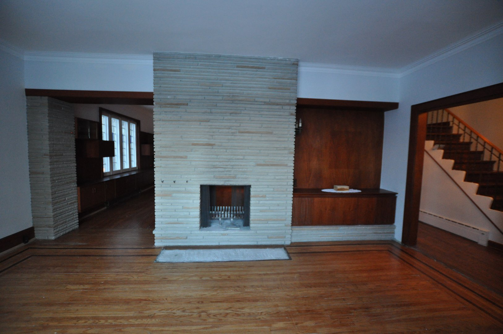 House for rent at 4 Blantyre Ave, Scarborough, ON.