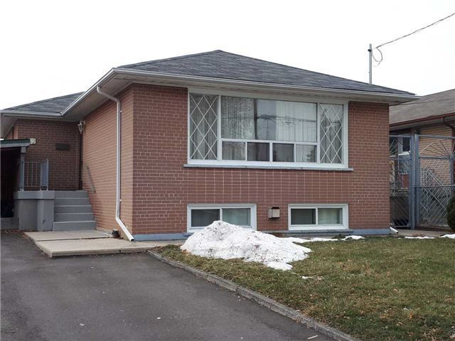 House for rent at 62 Packard Blvd, Scarborough, ON.