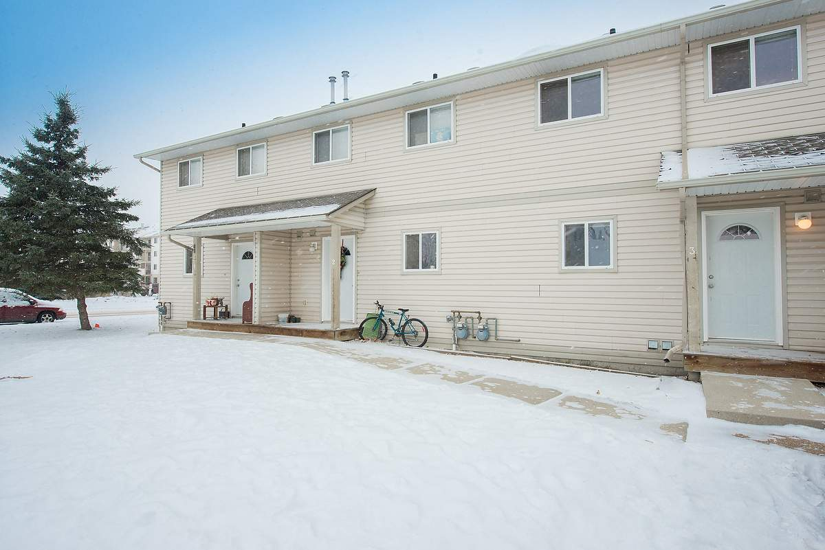 Townhouse for rent at 4395 46 Street, Stony Plain, AB.
