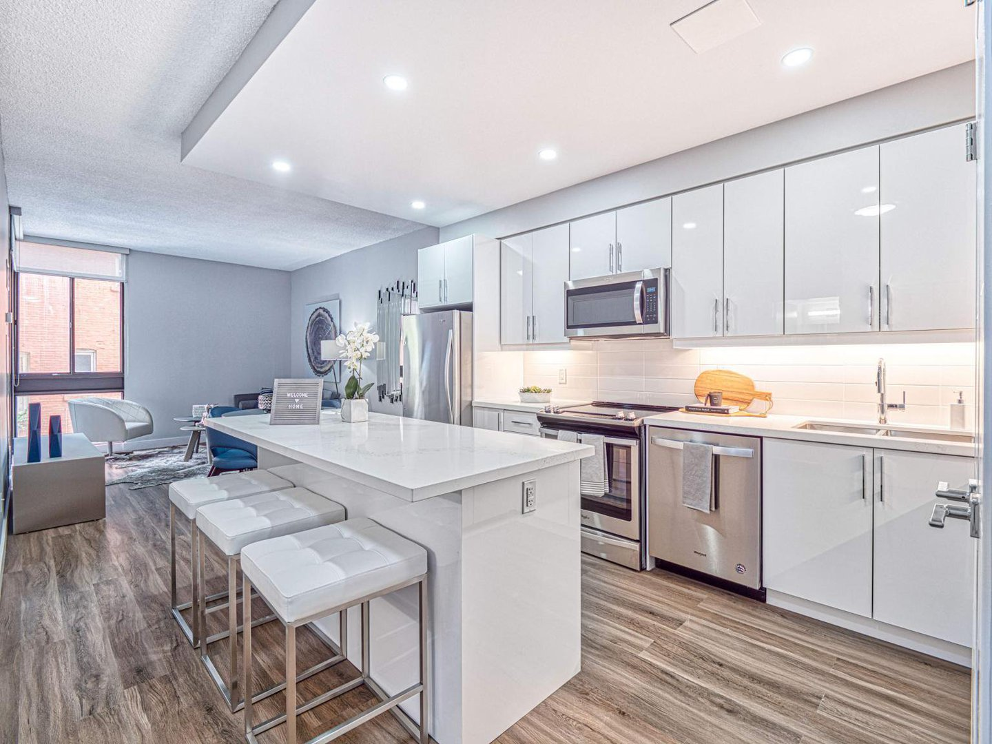 Magnificent Rentals Ca Toronto Apartments Condos And Houses For Rent Download Free Architecture Designs Rallybritishbridgeorg