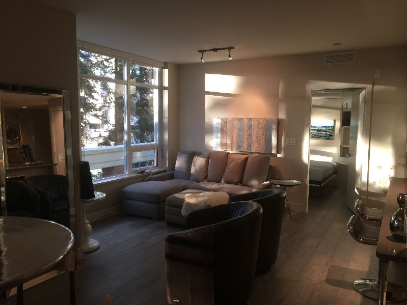 Apartment for rent at 15152 Russell Ave, White Rock, BC.
