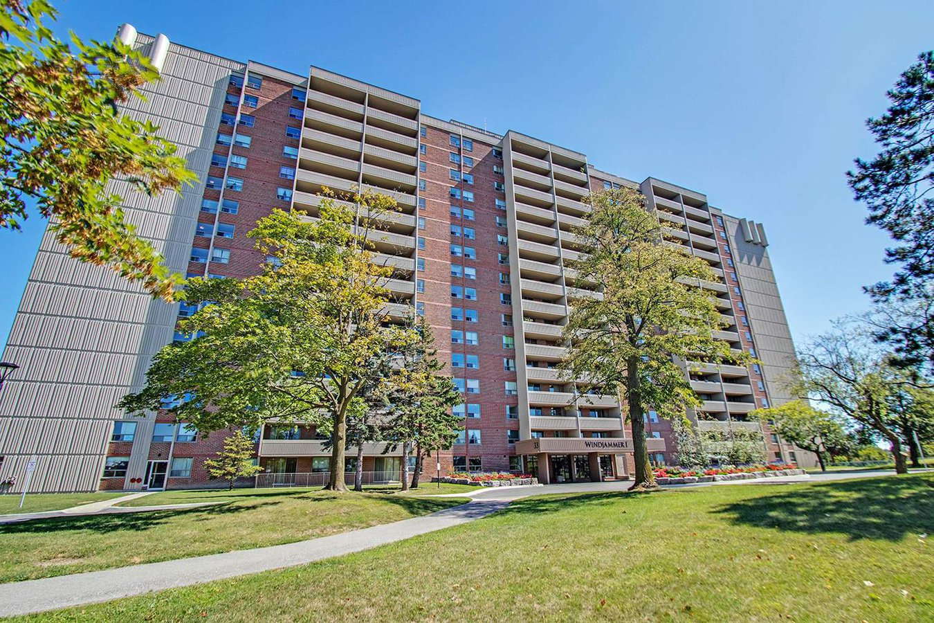 Rentals Ca 33 77 Falby Court Ajax On For Rent