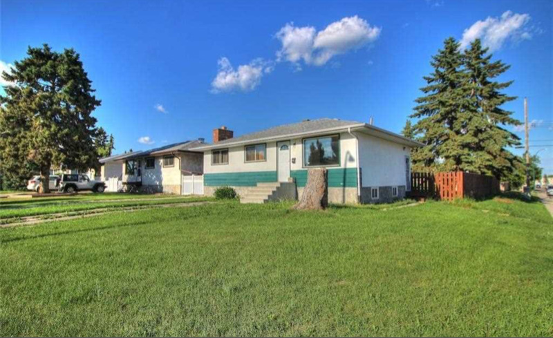 1140 38 Street Southeast in Calgary, AB